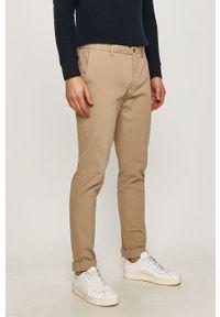 Marciano Guess - Spodnie. Okazja: na co dzień. Kolor: beżowy. Materiał: tkanina. Styl: casual