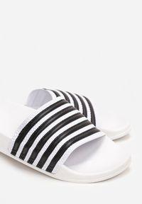 Renee - Białe Klapki Peshoche. Okazja: na co dzień, na plażę. Nosek buta: otwarty. Kolor: biały. Materiał: guma. Wzór: paski, aplikacja. Styl: sportowy, casual