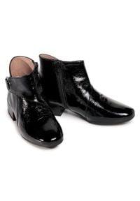Hispanitas - Botki HISPANITAS - Aneto HI00812 Black. Kolor: czarny. Materiał: skóra, lakier. Szerokość cholewki: normalna. Wzór: aplikacja. Obcas: na obcasie. Wysokość obcasa: średni