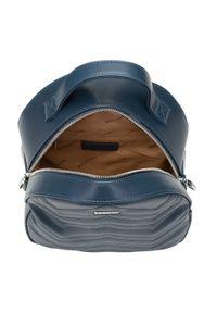 Wittchen - Damski plecak z przeszyciami w zygzaki. Kolor: niebieski. Materiał: skóra ekologiczna. Wzór: gładki, paski. Styl: elegancki