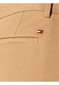 TOMMY HILFIGER - Tommy Hilfiger Chinosy Heritage WW0WW20489 Brązowy Skinny. Kolor: brązowy