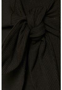 Guess - Sukienka. Okazja: na co dzień. Kolor: czarny. Długość rękawa: długi rękaw. Typ sukienki: proste. Styl: casual