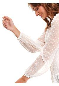 TOP SECRET - Bluzka z tkaniny plumeti z bufiastymi rękawami i baskinką. Okazja: na co dzień, na imprezę. Kolor: biały. Materiał: tkanina. Długość rękawa: długi rękaw. Długość: długie. Styl: casual