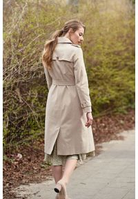 Marie Zélie - Trencz Adria bawełna z elastanem beż piaskowy. Kolor: beżowy. Materiał: bawełna, elastan. Sezon: lato. Styl: klasyczny #5