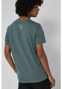 medicine - Medicine - T-shirt bawełniany Wisława Szymborska. Kolor: zielony. Materiał: bawełna. Wzór: nadruk
