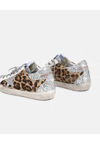 GOLDEN GOOSE - Sneakersy Superstar w cętki. Kolor: brązowy. Materiał: guma, jeans. Wzór: aplikacja
