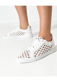 Casadei - CASADEI - Białe sneakersy z plecionką Kicks Versilia. Kolor: biały. Materiał: guma