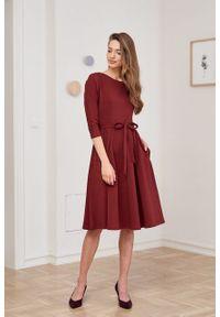Marie Zélie - Sukienka Anastazja ceglasta. Kolor: czerwony. Materiał: bawełna, dzianina, materiał, elastan, skóra. Typ sukienki: rozkloszowane. Styl: klasyczny
