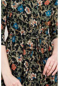 Marie Zélie - Sukienka Serena Cantilena czarna. Okazja: na co dzień. Typ kołnierza: kołnierzyk stójkowy. Kolor: czarny. Materiał: wiskoza, skóra. Typ sukienki: proste, szmizjerki. Styl: casual