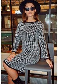 Lemoniade - Sukienka w Pepitkę z Metalowymi Guziakami. Materiał: akryl