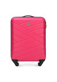 Różowa walizka Wittchen elegancka