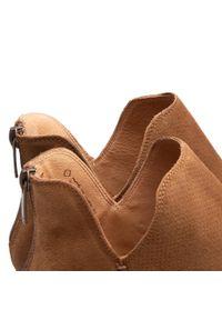 Wojas - Botki WOJAS - 55002-63 J. Brąz. Kolor: brązowy. Materiał: skóra, zamsz. Szerokość cholewki: normalna. Sezon: zima, jesień. Styl: elegancki