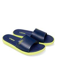 LANO - Klapki męskie basenowe Lano KL-4-6168-5 Granatowe. Okazja: na plażę. Zapięcie: bez zapięcia. Kolor: niebieski. Materiał: guma. Obcas: na obcasie. Wysokość obcasa: niski. Sport: pływanie