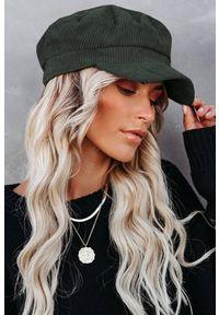 Zielona czapka IVET elegancka, na zimę