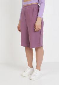 Fioletowe spodnie z wysokim stanem Born2be