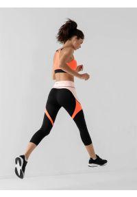 4f - Legginsy do biegania 7/8 szybkoschnące damskie. Stan: podwyższony. Kolor: czarny. Materiał: jersey, dzianina, włókno, materiał. Wzór: nadruk. Sport: bieganie