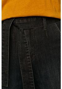 Czarny jeansy loose fit medicine w kolorowe wzory