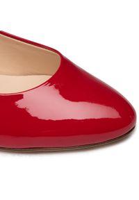Półbuty HÖGL - 0-184004 Red 4000. Kolor: czerwony. Materiał: lakier, skóra. Szerokość cholewki: normalna. Obcas: na obcasie. Styl: elegancki. Wysokość obcasa: wysoki, średni