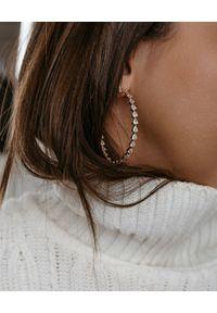 SELFIE JEWELLERY - Koła z cyrkoniami Obsession. Materiał: srebrne. Kolor: srebrny. Wzór: aplikacja. Kamień szlachetny: cyrkonia