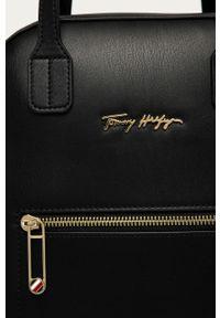 Czarny plecak TOMMY HILFIGER gładki