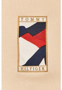 TOMMY HILFIGER - Tommy Hilfiger - Bluza. Okazja: na co dzień. Kolor: beżowy. Styl: casual