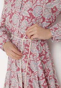 Born2be - Różowa Sukienka Chloraste. Kolor: różowy. Długość rękawa: długi rękaw. Wzór: kwiaty. Typ sukienki: koszulowe. Długość: mini