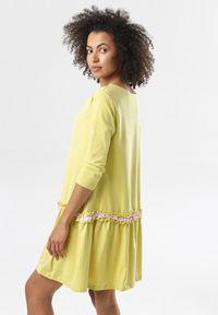 Born2be - Jasnożółta Sukienka Thelxiemeine. Typ kołnierza: kołnierz z falbankami. Kolor: żółty. Materiał: jeans, dzianina. Długość: mini