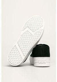Levi's® - Levi's - Tenisówki. Okazja: na spotkanie biznesowe. Nosek buta: okrągły. Zapięcie: sznurówki. Kolor: czarny. Materiał: guma. Obcas: na platformie. Styl: biznesowy