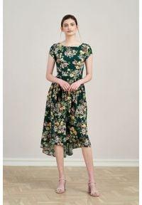 Marie Zélie - Sukienka Antea Irises. Materiał: wiskoza, materiał. Długość rękawa: krótki rękaw. Typ sukienki: asymetryczne