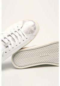 D.A.T.E. - Buty skórzane Hill Low Roof. Zapięcie: sznurówki. Kolor: biały. Materiał: skóra