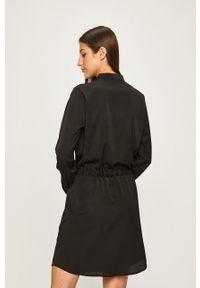 Czarna sukienka ANSWEAR na co dzień, casualowa, prosta, mini