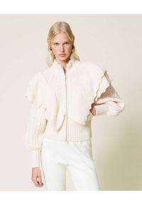TwinSet - TWINSET - Sweter wełniany z falbankami. Typ kołnierza: kołnierz z falbankami. Kolor: beżowy. Materiał: wełna