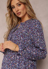 Renee - Niebieska Sukienka Caellial. Kolor: niebieski. Wzór: kwiaty, aplikacja. Typ sukienki: proste. Styl: klasyczny. Długość: maxi