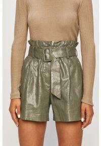 Vero Moda - Szorty. Kolor: zielony. Materiał: tkanina