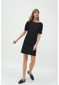 Nife - Krótka Sukienka z Bufkami - Czarna. Kolor: czarny. Materiał: poliester, wiskoza, elastan. Długość: mini