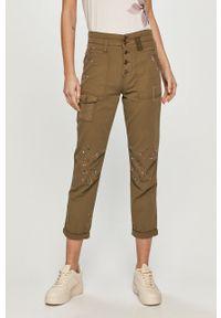 Oliwkowe spodnie materiałowe Desigual z nadrukiem, z podwyższonym stanem