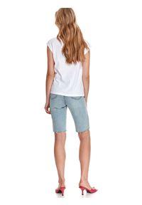 TOP SECRET - T-shirt damski z nadrukiem. Okazja: na co dzień. Kolor: biały. Materiał: tkanina, bawełna. Długość rękawa: krótki rękaw. Długość: krótkie. Wzór: nadruk. Sezon: lato. Styl: wakacyjny, casual
