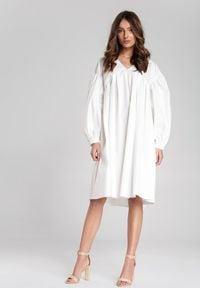 Renee - Biała Sukienka Fraya. Typ kołnierza: dekolt w kształcie V. Kolor: biały. Sezon: lato, jesień, wiosna. Typ sukienki: trapezowe. Długość: midi