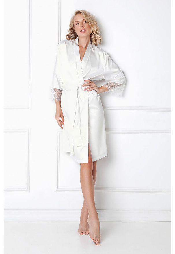 Aruelle - Szlafrok Brenna. Kolor: biały. Materiał: tkanina, elastan, poliester, satyna, materiał. Wzór: ze splotem, gładki
