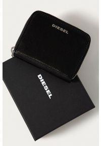 Diesel - Portfel skórzany. Kolor: czarny. Materiał: skóra. Wzór: gładki
