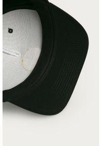 Czarna czapka z daszkiem DC gładkie