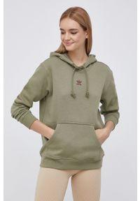 adidas Originals - Bluza. Kolor: zielony. Materiał: bawełna, poliester. Długość rękawa: długi rękaw. Długość: długie. Wzór: aplikacja