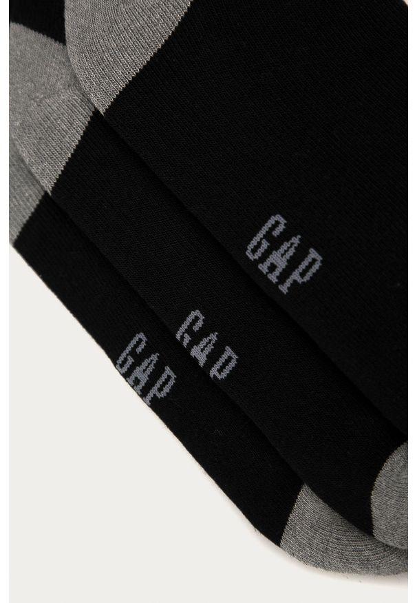 Czarne skarpetki GAP z nadrukiem