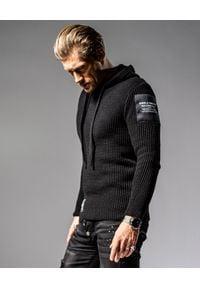GUNS & TUXEDOS - Czarny sweter z kapturem Cold Sunrise. Typ kołnierza: kaptur. Kolor: czarny. Materiał: prążkowany, dzianina, wełna, jeans, materiał. Wzór: aplikacja. Styl: elegancki