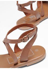 Brązowe sandały bonprix