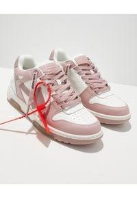 OFF-WHITE - Białe sneakersy OUT OF OFFICE. Kolor: biały. Materiał: jeans, guma. Sport: turystyka piesza