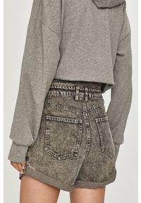 Answear Lab - Szorty jeansowe. Kolor: szary. Materiał: jeans. Styl: wakacyjny