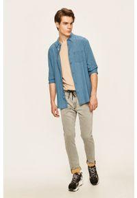 Wrangler - Koszula. Typ kołnierza: kołnierzyk klasyczny. Kolor: niebieski. Styl: klasyczny