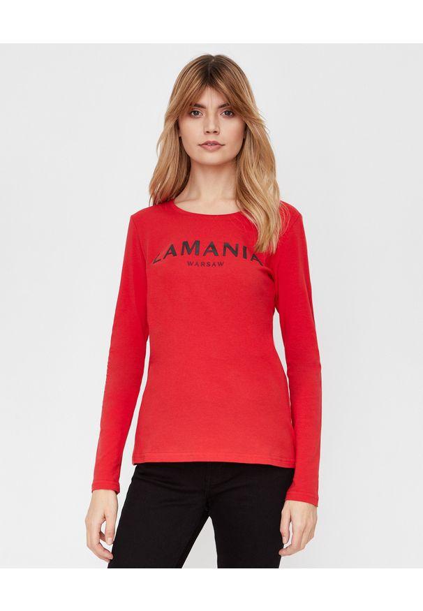 LA MANIA - Czerwona koszulka z długim rękawem. Kolor: czerwony. Materiał: bawełna. Długość rękawa: długi rękaw. Długość: długie. Wzór: napisy