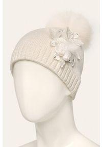 Biała czapka Jamiks
